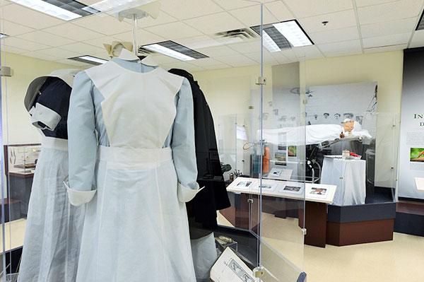 Medical Nurse uniforms Resize